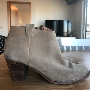 Madewell Tan Suede Boots